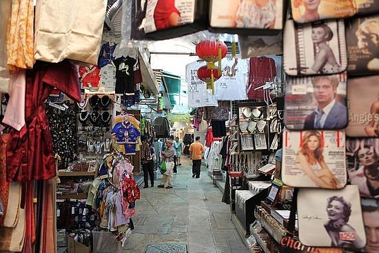 Stanley Market 1 jpg